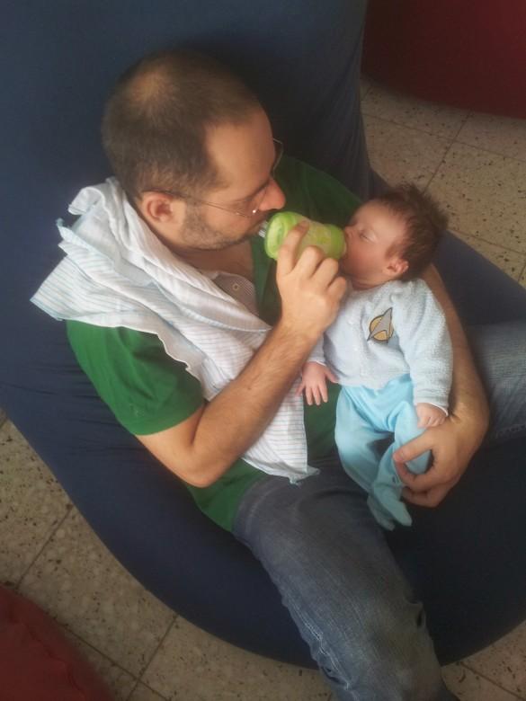 אורי ואבא שלו ברגע אינטימי